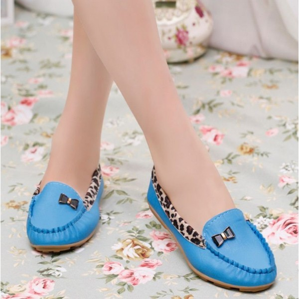 Blue Round Toe Leopard Flats Comfortable Loafers for Women  image 2