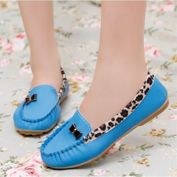 Women's Blue Almond Toe Bow Cheetah Comfortable Flats image 1