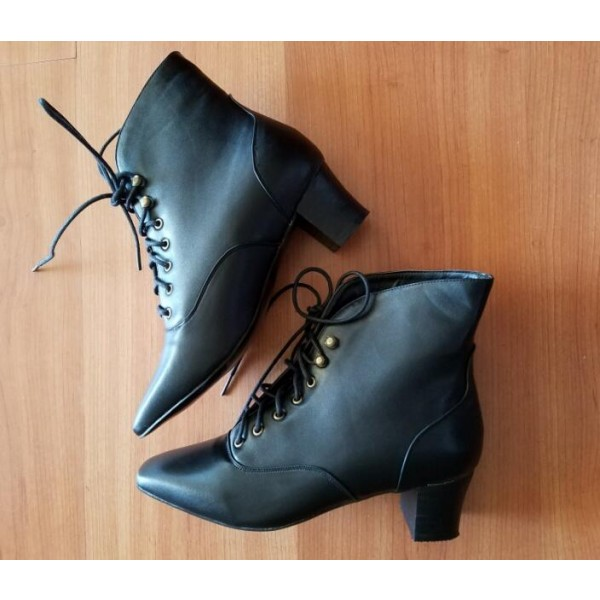 Women's Witch Black Vintage Boots Block Heel Lace Up Ankle Boots for Halloween image 2