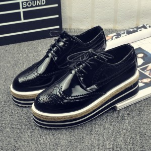 Retro Black Women's Oxfords Vintage Lace-up Brogues Platform Shoes