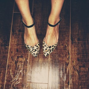 Fashion Brown Leopard Print Flats Pointy Toe Suede Ankle Strap Flats