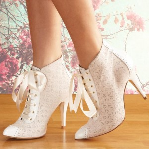 Ivory Lace Up Boots Pointy Toe Chunky Heel Ankle Boots