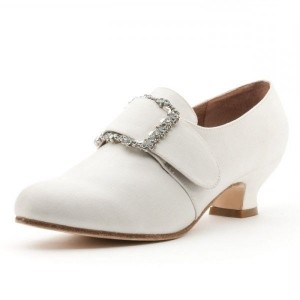 Ivory Vintage Shoes Round Toe Kitten Heel Ankle Boots