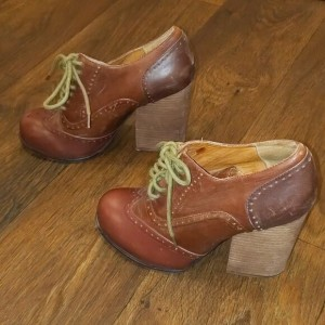 Custom Made Vintage Tan Block Heel Oxford Heels