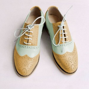 Khaki and light green Two Tone Wingtip Shoes Lace up Flat Oxfords