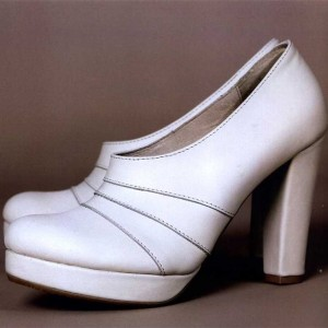 Women's White Almond Toe Platform Heels Chunky Heel Pumps