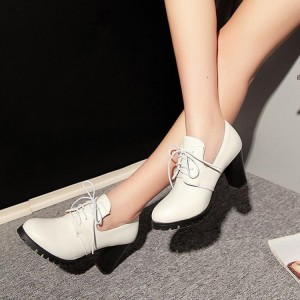 White Lace up Oxford Heels Round Toe Chunky Heel Vintage Shoes