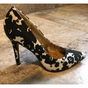 Women's Black and White Heels Pointed Toe Floral Pumps