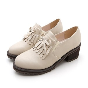 Beige Vintage Slip-on Fringed Leather Brogues for Women