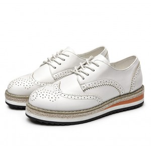 White Wingtip Shoes Lace up Round Toe Vintage Women's Oxfords
