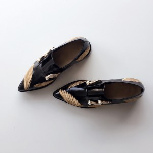 Black Vintage Shoes Pointy Toe Patent Leather Women's Oxfords with Wings and Pearls