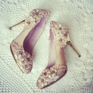 Women's Nude Almond Toe Flower Low-cut Upper Stiletto Heel Pumps Wedding Shoes