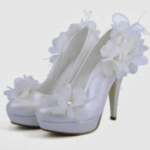 White Satin Bridal Heels Platform Chunky Heel Flower Pumps for Wedding