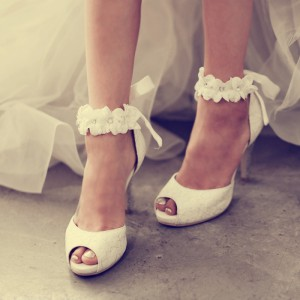 Women's White Bridal Sandals Peep Toe Stiletto Heels Flower Ankle Strap