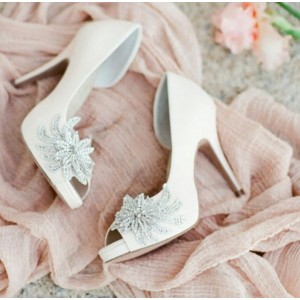 Women's White Platform Rhinestone Flower Stiletto Heel Bridal Heels Pumps