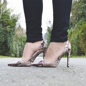 Maroon Snakeskin Low-cut Uppers Stiletto Heels Pumps