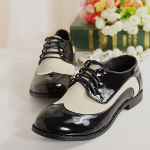 Women's Oxfords& Brogues White and Black Chunky Heels Stitching Color Vintage Shoes