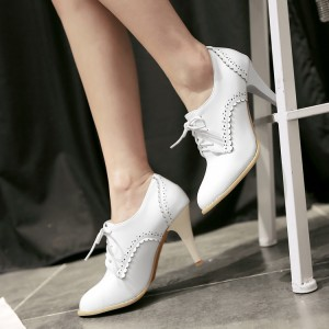 Ladies' White Vintage Heels Brogues