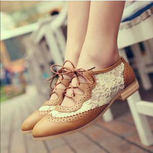 Women's Brown Vintage Oxfords Shoes Pointed Toe Lace-up Comfortable Flats