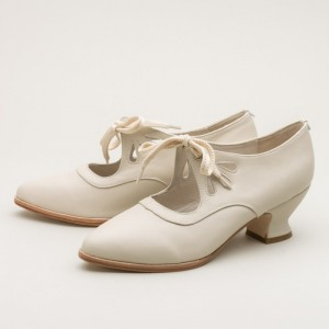 Women's White Lace-up Spool Heel Vintage Heels