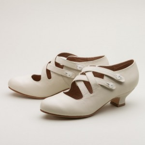 Women's White Crossed-over Buckle Vintage Heels Shoes