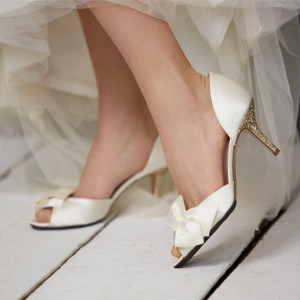 White Bridal Heels Glitter Stiletto Heel Dorsay Pumps for Wedding