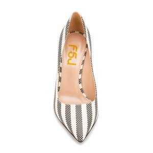 Women's Black and White Plaid Stripes Low-cut Uppers Pointed Toe Shoes