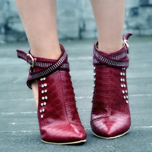 Burgundy Stiletto Boots Crocodile Grain Fashion Booties with Rhinestones