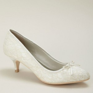 Ivory Bridal Shoes Lace Heels Pumps Kitten Heels for Wedding