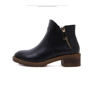 Women's Black Round Toe Chunky Heels  Ankle Vintage Boots