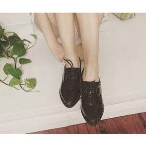 Leila Black Mirror Leather Fringed Pointed Toe Vintage Lace-up Women's Oxfords Brogues