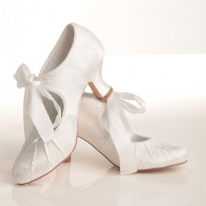 White Bridal Heels Lace-up Lace Spool Heel Vintage Wedding Shoes