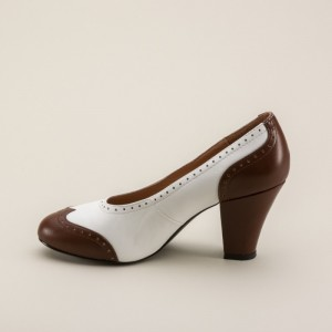 White Low-cut Uppers Round Toe Pumps Vintage Heels