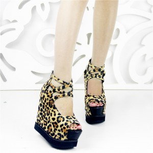 Women's Leopard-print Peep Toe Platform Wedge Heel Shoes